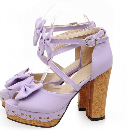 Adorable Strappy purple Sandals Wit..